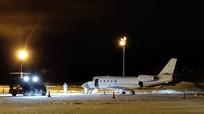 Phi công tử nạn vì bị cửa máy bay rơi trúng