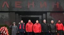 Lãnh đạo Cộng sản Nga đặt vòng hoa tại Lăng nhân ngày giỗ Lenin