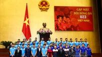 Cử chỉ thân thương của Chủ tịch Quốc hội dành cho Quang Hải
