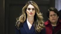 Nữ phụ tá xinh đẹp của ông Trump đột ngột xin từ chức