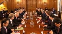 Thủ tướng Anh họp với các tập đoàn Nhật để giải tỏa lo lắng hậu quả Brexit