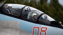 Tại sao trên máy bay chiến đấu phải có phi công phụ?
