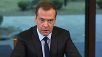 Thủ tướng Nga Medvedev tuyên bố mở rộng lệnh trừng phạt Ukraine