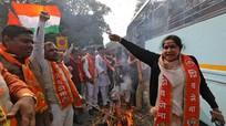 """Bị cáo buộc liên quan đến tấn công khủng bố ở Ấn Độ, Pakistan giữa """"tứ bề sóng cả"""""""