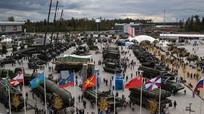 Nga đem hàng trăm khí tài quân sự chào hàng ở 'sát nách' Mỹ