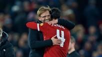 Van Dijk ra mắt ấn tượng, Liverpool chớ vội mừng!