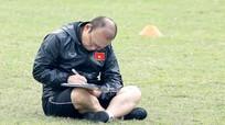 VFF đàm phán gia hạn hợp đồng với HLV Park; Barca đồng ý bán Rakitic cho MU