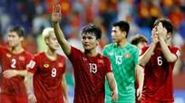 V.League tính dồn lịch vào thời gian nghỉ của đội tuyển Việt Nam; Barca 'đá đểu' Ronaldo