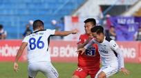Cựu tiền vệ SLNA Đậu Thanh Phong gặp chấn thương