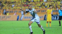 SLNA chiêu mộ Felipe Martins: 'Vơ bèo, gạt tép'?