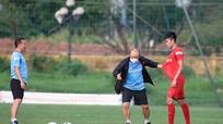 Chân sút U22 Việt Nam được ông Park dạy cách đỡ bóng; Messi tuyên bố muốn rời Barca