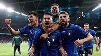 Khi người Italia hát với trái bóng tròn
