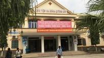 Nghệ An: Bác sỹ nỗ lực cứu sản phụ, người nhà đứng ngoài livestream lên Facebook