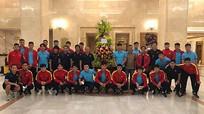 Chủ tịch nước động viên tinh thần đội tuyển; HLV Australia đánh giá thấp tuyển Việt Nam