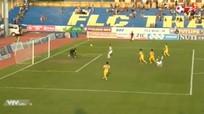 Thủ môn Bửu Ngọc tặng bàn thắng, Thanh Hóa chia điểm với Nam Định