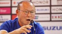 Bị trọng tài thổi ép trước Myanmar, HLV Park Hang-seo nói gì?