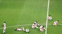 Cầu thủ Jordan gục ngã nhìn ĐT Việt Nam ăn mừng chiến tích