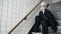 Sốc vì gu thời trang 'đỉnh' của nữ giáo sư U70