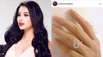 Hoa hậu Phạm Hương công khai đính hôn với bạn trai ở Mỹ