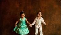 """Những khoảnh khắc """"ngọt lịm"""" của cặp song sinh nhà ca sĩ Hồng Nhung"""