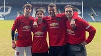 David Beckham trẻ trung như anh cả của ba con trai