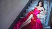 Hoa hậu Lương Thùy Linh khoe đôi chân nuột nà dài 1m22 gây 'sốt'