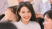 Nàng hậu Đỗ Thị Hà khoe loạt ảnh cấp 3, tiết lộ điểm thi đại học khiến dân mạng trầm trồ
