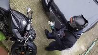 Chủ nhà bất lực chứng kiến kẻ trộm xe máy giữa ban ngày