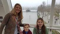 Ba người thiệt mạng vì đèn trang trí cây thông cháy
