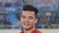 """Hoàng Thịnh dẫn top 5 """"siêu phẩm"""" vòng loại Cúp QG 2019; Mourinho tiết lộ ngày trở lại"""