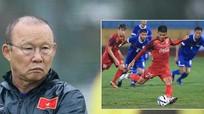 Văn Toàn 'cô đơn' trong bảng vàng; Ông Park dành bất ngờ cho người Thái