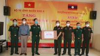 Quân khu 4 trao tặng Quân đội Lào hơn 2 tỷ đồng phòng, chống dịch Covid-19