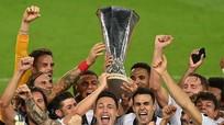 U22 Việt Nam đấu tập thử sơ đồ mới; Đánh bại Inter Milan, Sevilla lần thứ 6 vô địch Europa League