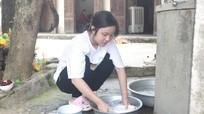 Nữ sinh mồ côi đạt điểm cao khối D khó thực hiện ước mơ giảng đường