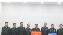Bộ Quốc phòng trao 223 triệu đồng hỗ trợ con các liệt sỹ hy sinh ở Rào Trăng 3 và Đoàn 337