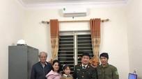 Học sinh lớp 8 ở Nghệ An trả lại bọc tiền 23 triệu đồng cho người đánh rơi