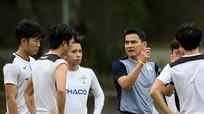 HLV Kiatisuk úp mở kế hoạch sử dụng Công Phượng tại HAGL; Kình địch của đội tuyển Việt Nam nhận 'cú sốc điếng người'