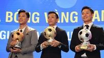 Đặng Văn Lâm ra đi vì Muangthong United vi phạm hợp đồng; Văn Quyết vượt qua Quế Ngọc Hải, Bùi Tiến Dũng giành Quả bóng Vàng