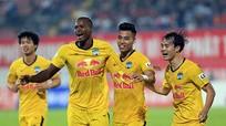 HLV Hoàng Văn Phúc bất ngờ khi được dẫn dắt Hà Nội; HAGL thắng bao nhiêu trận để vô địch V.League?