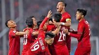HLV Kiatisak: 'HAGL không sợ đội nào ở V-League'; Tuyển Việt Nam giữ vững vị trí dẫn đầu khu vực