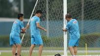 Thầy Park tất bật với tuyển Việt Nam; Tấn Trường không quan tâm quá khứ