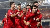 Tuyển Việt Nam hưởng lợi gì khi Malaysia, Thái Lan sảy chân?; PSG sẵn sàng đàm phán với Ronaldo