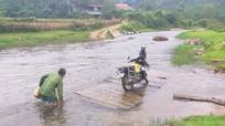 Những cây cầu 'già', cầu tạm ở vùng cao Nghệ An