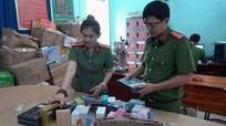 Hàng ngàn chai nước hoa giả 'phù phép' từ hóa chất Trung Quốc