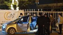 Tài xế taxi bị cứa cổ tử vong trước sân vận động
