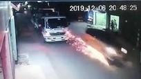 Tài xế ôtô chở thuốc lá lậu trúng đạn của cảnh sát