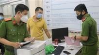 Bắt tạm giam cán bộ phường 'thu phí' người ngoài vào tiêm vaccine