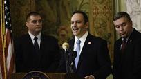 Thống đốc Mỹ cho con nhiễm bệnh thủy đậu