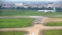 Máy bay đi nhầm vào đường lăn đang bảo dưỡng