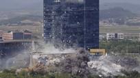 Khoảnh khắc Văn phòng Liên lạc Hàn - Triều bị giật sập